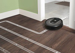 roomba 960 has an intelligent cleaning path