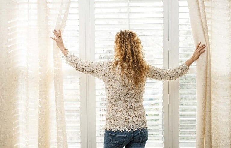 Top Tips To Consider For Curtain Cleaning: How To Clean And Vacuum Your Drapes