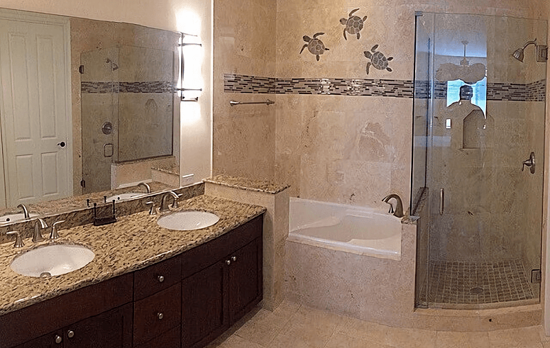 Bathroom In Travertine Tiles