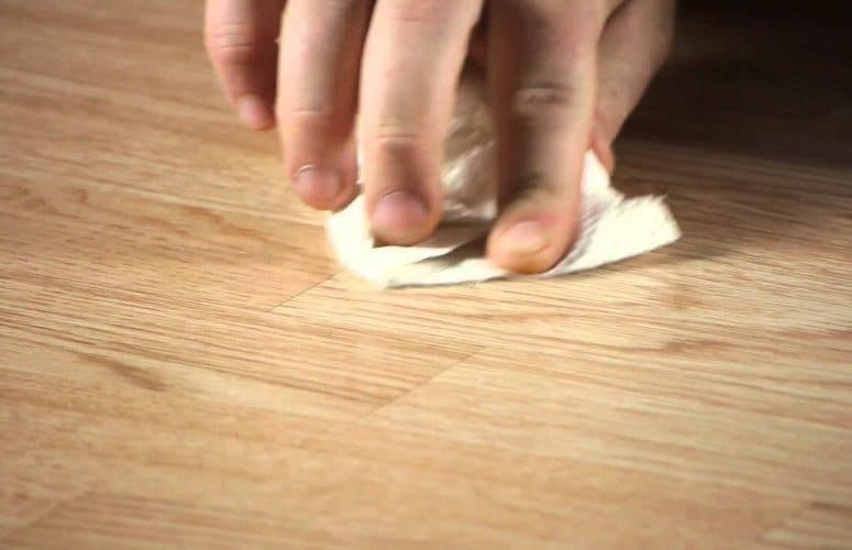 laminate floor scraping