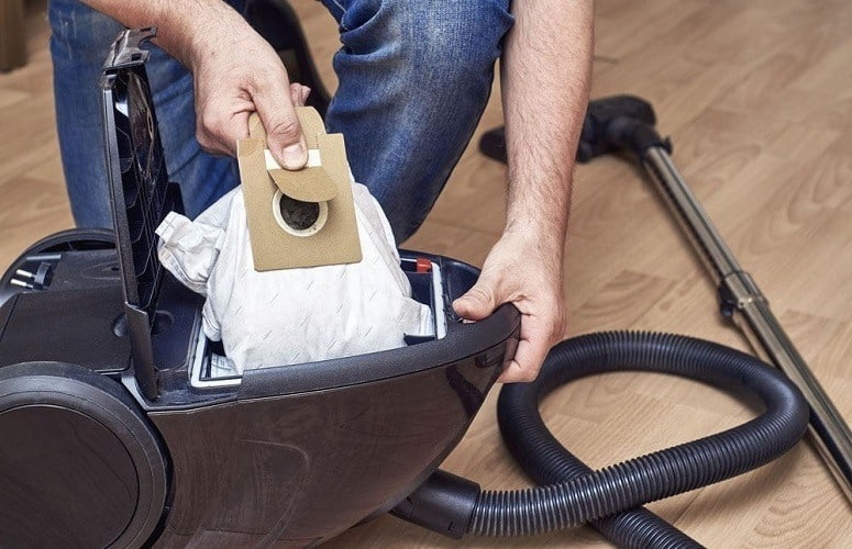 cleaning your vaccum cleaner