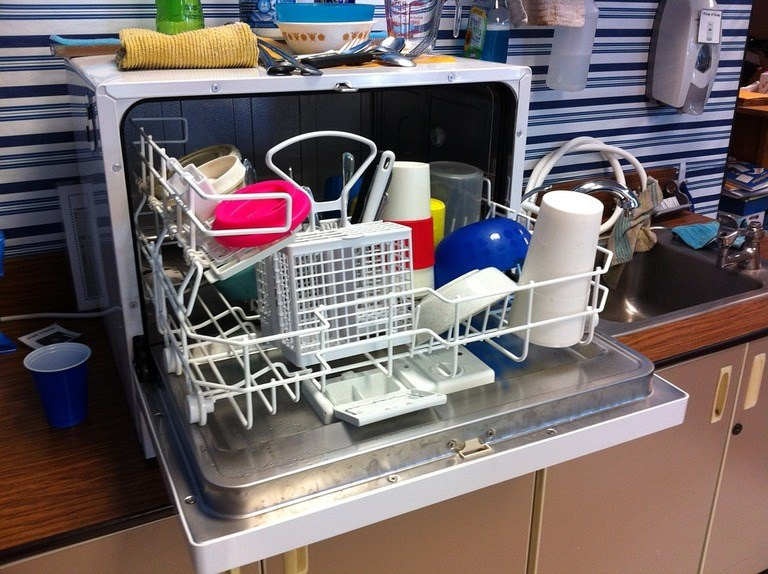How to Clean Your Dishwasher Filter – 5 Easy Steps