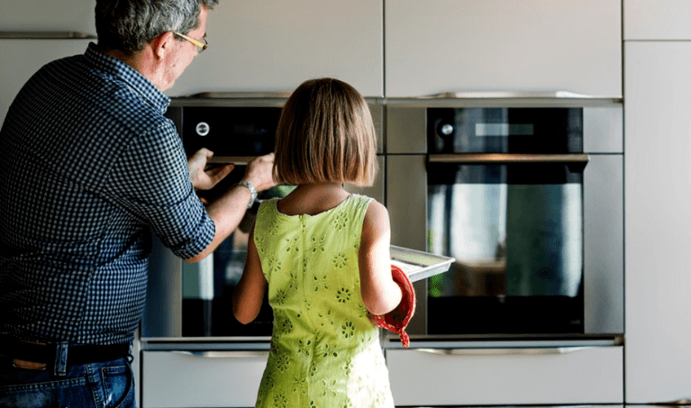 How to Clean Oven Glass: We Tried Two Homemade Cleaning Methods