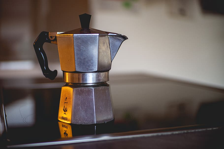 How to Clean a Coffee Pot with Vinegar